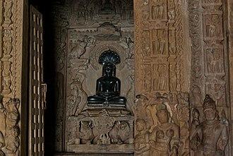 Parshvanatha temple, Khajuraho - Image: Parshwanath Jain Temple Khajuraho 10