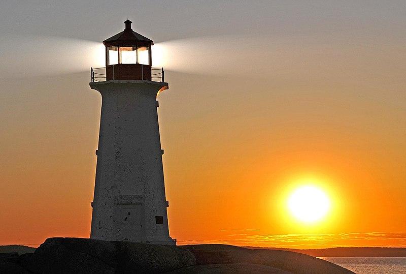 File:Peggys Cove Lighthouse (3).jpg