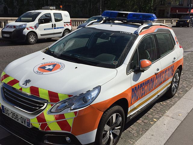 file peugeot 2008 protection civile wikimedia commons