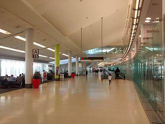 Philadelphia International Airport - Interior of Terminal A West