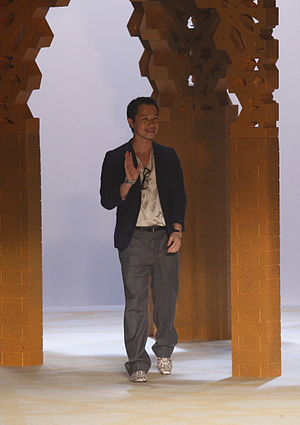 Phillip Lim - Phillip Lim in his spring 2009 collection