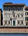 Pisa, palazzo alla giornata 02.jpg