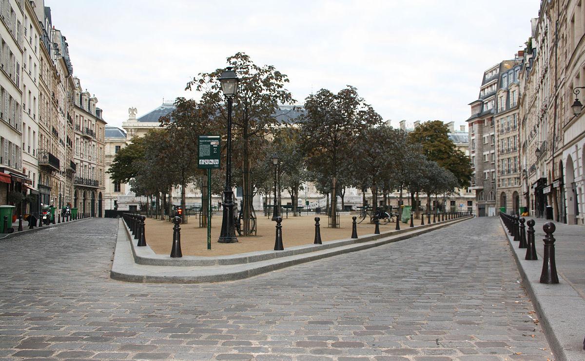 Cafe La Dauphine Paris  Rue St Dominique