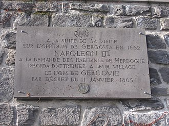 Gergovie - Plaque commemorating the visit of Napoléon III to Gergovie