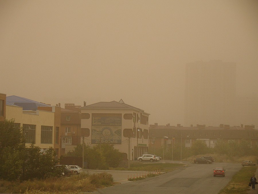 Plavny Lane Rostov-on-Don dust storm.jpg