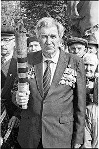 Pn-parade-9may2001-taranov-2.jpg
