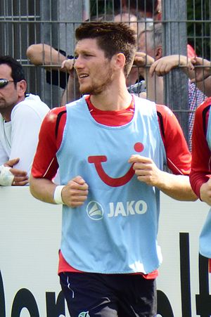 Sébastien Pocognoli - Pocognoli training with Hannover 96.