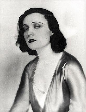 Pola Negri - Negri in 1932