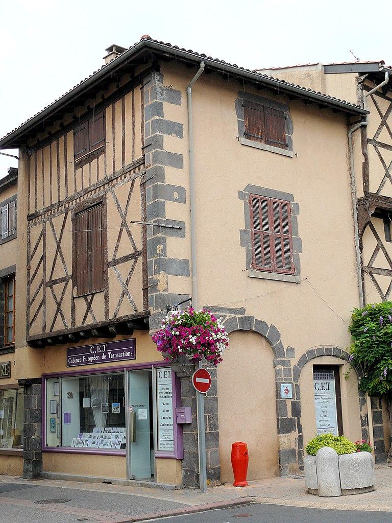 File pont du chateau maison place de la libert - La maison de la place saignon ...
