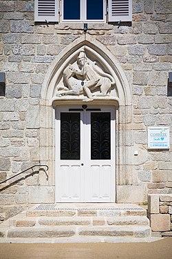 Porte provenant des ruines du château de Ventadour, Égletons (2).jpg
