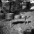 Posode za merjenje žita- mernik, znenk, polounica in kvart, Polje 1954.jpg