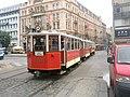 Praha, Václavské náměstí, stará tramvaj - panoramio.jpg