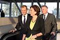 Premier Donald Tusk oraz Wiceprzewodnicząca Klubu Parlamentarnego PO Małgorzata Kidawa - Błońska (6163023995).jpg
