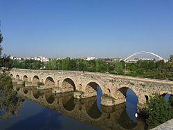 Puente Romano y Puente de Lusitania, Mérida.jpg