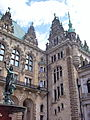 Rathaus Innenhof Eckansicht.jpg