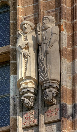 Katharina Henot - Statues of Friedrich Spee and Katharina Henot at the city hall tower of Cologne