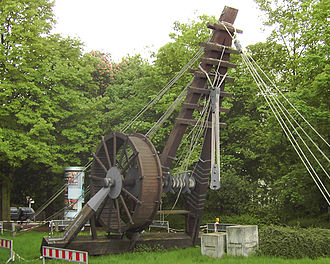 Crane (machine) - Reconstruction of a 10.4 m high Roman Polyspastos powered by a treadwheel at Bonn, Germany