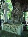 Rogozhskoe cemetery - Morozov tombs 02.jpg