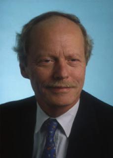 Roland Mertelsmann German oncologist