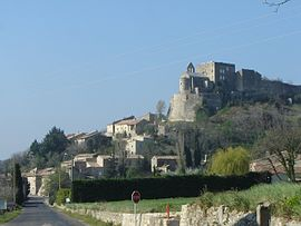 The village of Roussas and its château