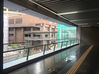 Bandar Utama MRT station - Image: SBK Line Bandar Utama 1Utama Link Bridge Oct 2017 3