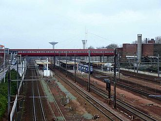 Saint-Quentin-en-Yvelines–Montigny-le-Bretonneux station - Image: SQY Gare 1
