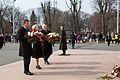 Saeimas priekšsēdētāja un deputāti godina komunistiskā genocīda upuru piemiņu (26024783505).jpg