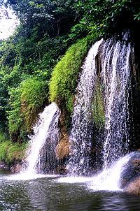 Una cascata nel Parco nazionale Sai Yok.