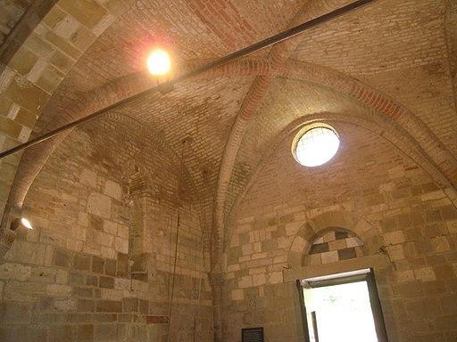 San Giovanni d'Asso, chiesa di San Pietro in Villore, interno verso la controfacciata