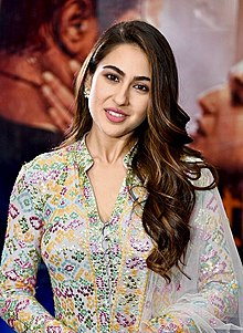 Sara Ali Khan promoting Kedarnath.jpg