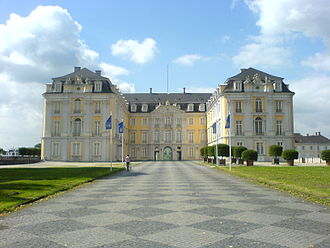 Electorate of Cologne - Image: Schloss Augustusburg, Hof