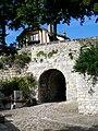 Senlis (60), rue des Dos d'Ânes, poterne sous les remparts.jpg