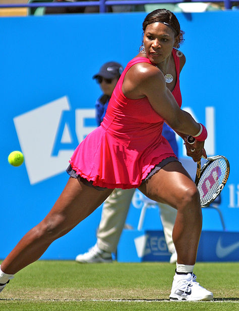 Archivo:Serena Williams at the 2011 AEGON International.jpg