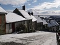 Shaftesbury, view down Gold Hill in snow - geograph.org.uk - 1153010.jpg