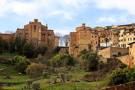 Siena, Val di Montone, veduta sul retro di Sant'Agostino e di San Giuseppe