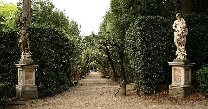 File:Skulpturen Boboligarten Florenz.jpg