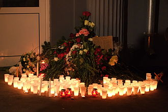December 2013 Volgograd bombings - Candles and flowers near the building of Volgograd region representatives in Moscow