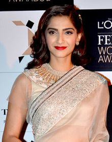 Sonam Kapoor at the L'Oreal Paris Femina Women Awards 2014.jpg