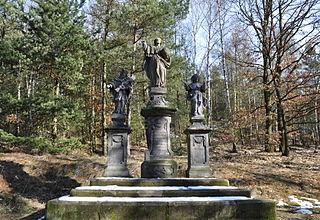 Sousoší Spasitele, svatého Jana Nepomuckého a svatého Jakuba Většího