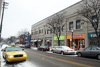 Shadyside (Pittsburgh) - Storefronts along South Highland Avenue.