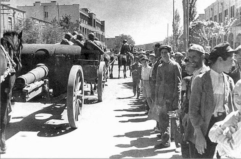 Soviet six horse foot artillery team on the streets of Tabriz