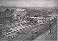 Städtische Straßenbahnen Wien 1903–1913 (page 65 crop) – Verladen von Straßenbahnschienen am Nordbahnhof.jpg