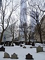 St. Pauls Churchyard with One World Trade Center (New York)-2 (43429444870).jpg