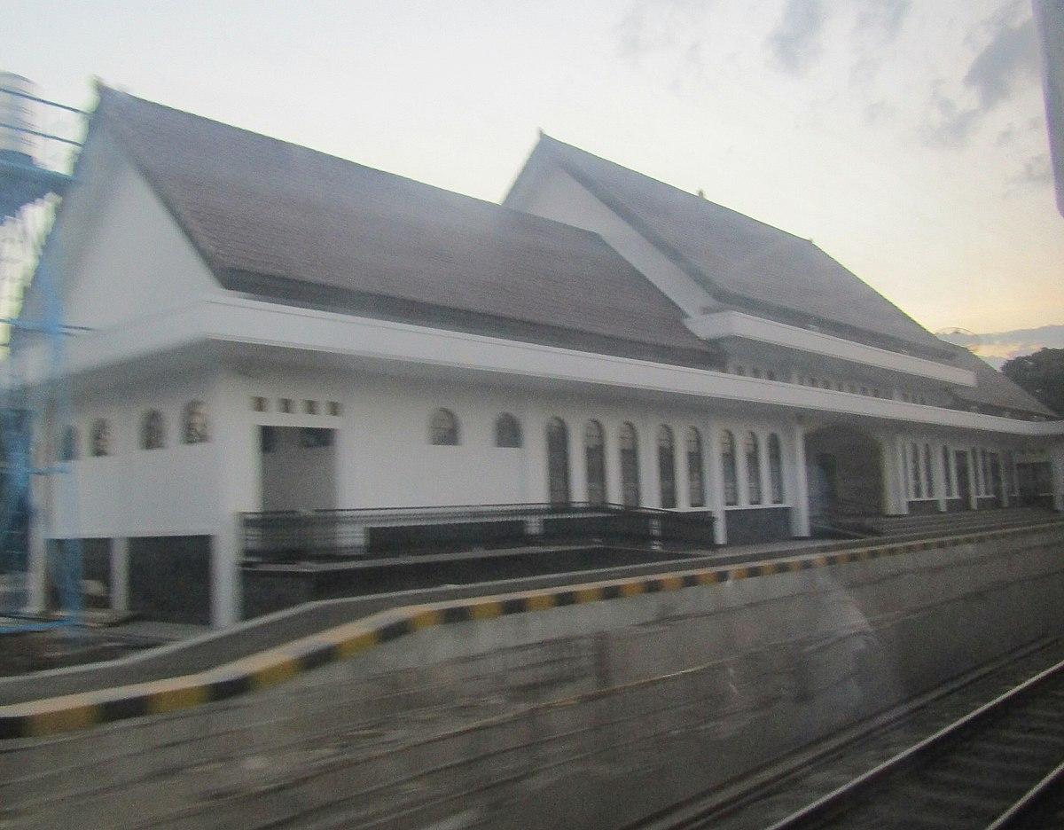 Stasiun Barat