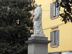 Statua di Ludovico Antonio Muratori, in Via Emilia a Modena