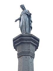 statue de la Vierge de l'église de Beynost