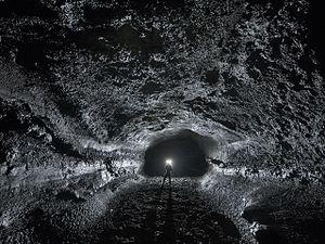 Surtshellir - Typical passage shapes in the Surtshellir-Stefanshellir lava tube system, showing intact walls and pahoehoe floors