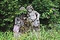 Steinplastik im Rosengarten.jpg