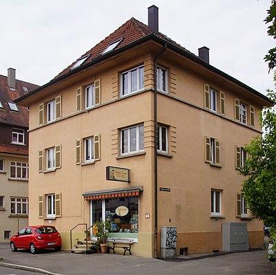 Stolpersteine in der Tübinger Schönbergstraße 1.JPG