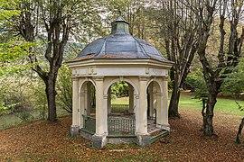 Straßburg Pöckstein 1 Schlosspark Monopteros 11102016 4827.jpg